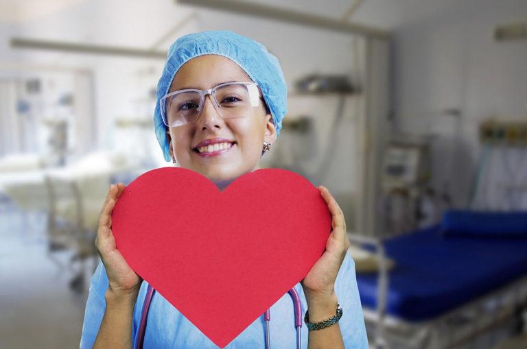 enfermera de quirófano en cirugía estética